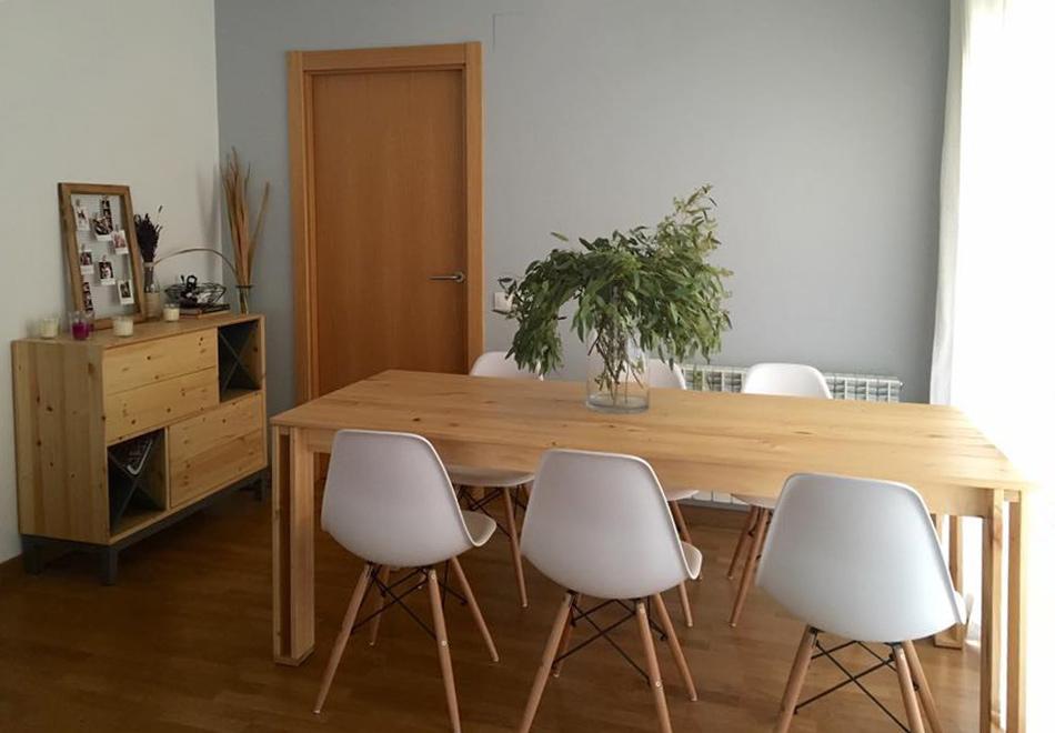 Mesa de madera para comedor for Mesas de salon blancas