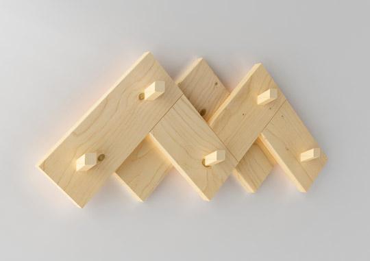 Perchero cimas para muebles lufe dise ado por silvia ce al for Percheros de pared adhesivos