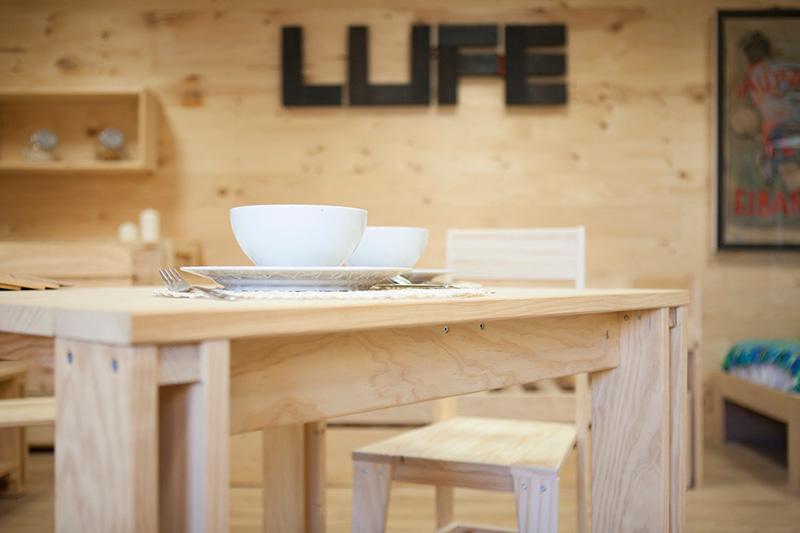 Exposici n y venta de los productos de muebles lufe en - Muebles lufe azpeitia ...
