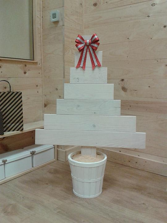 Imagen de nuestro arbol de navidad de madera