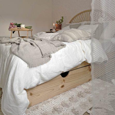 Camas de matrimonio y camas dobles de madera natural