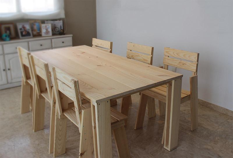 Mesa de comedor barata de madera ecol gica resistente for Mesas y sillas para salon comedor