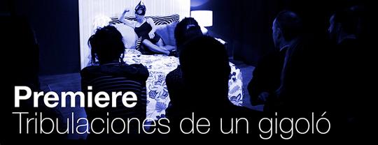 La cama TESTA de Muebles LUFE en una de las escenas del microteatro 'Tribulaciones de un gigoló' en La Farándula.