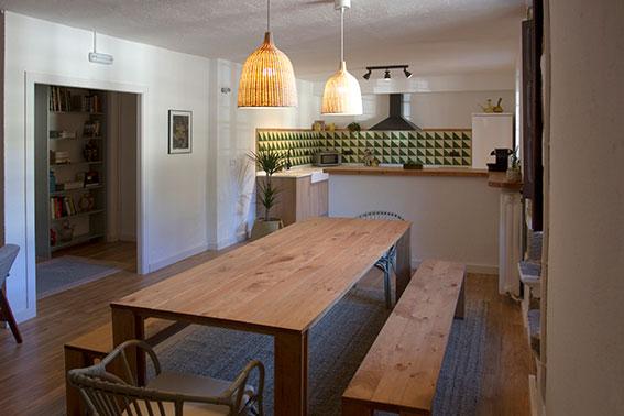 Muebles de cocina baratos y resistentes fabricados en madera ecológica