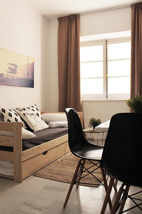 Muebles baratos de madera maciza para viviendas y apartamentos - Muebles de madera baratos ...