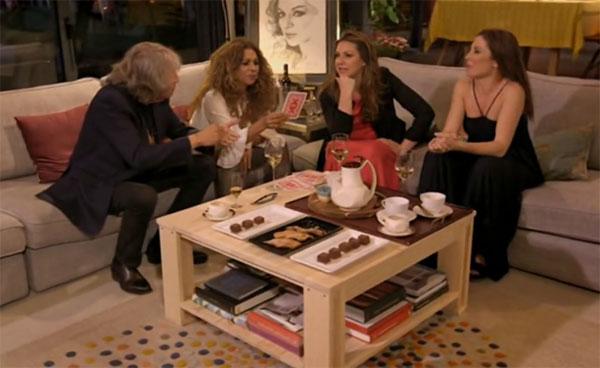 ARINA Mesa de Centro en el programa de televisión Lolita tiene un plan