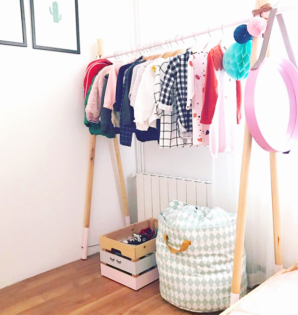 Percheros burro simples y prácticos para ropa de niños. DIY by Cristina Acedo