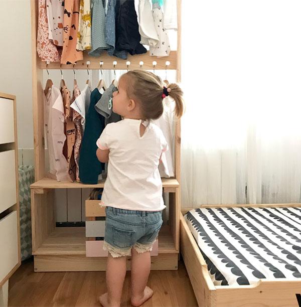 Percheros pequeños para habitación de niños/as filosofía montessori