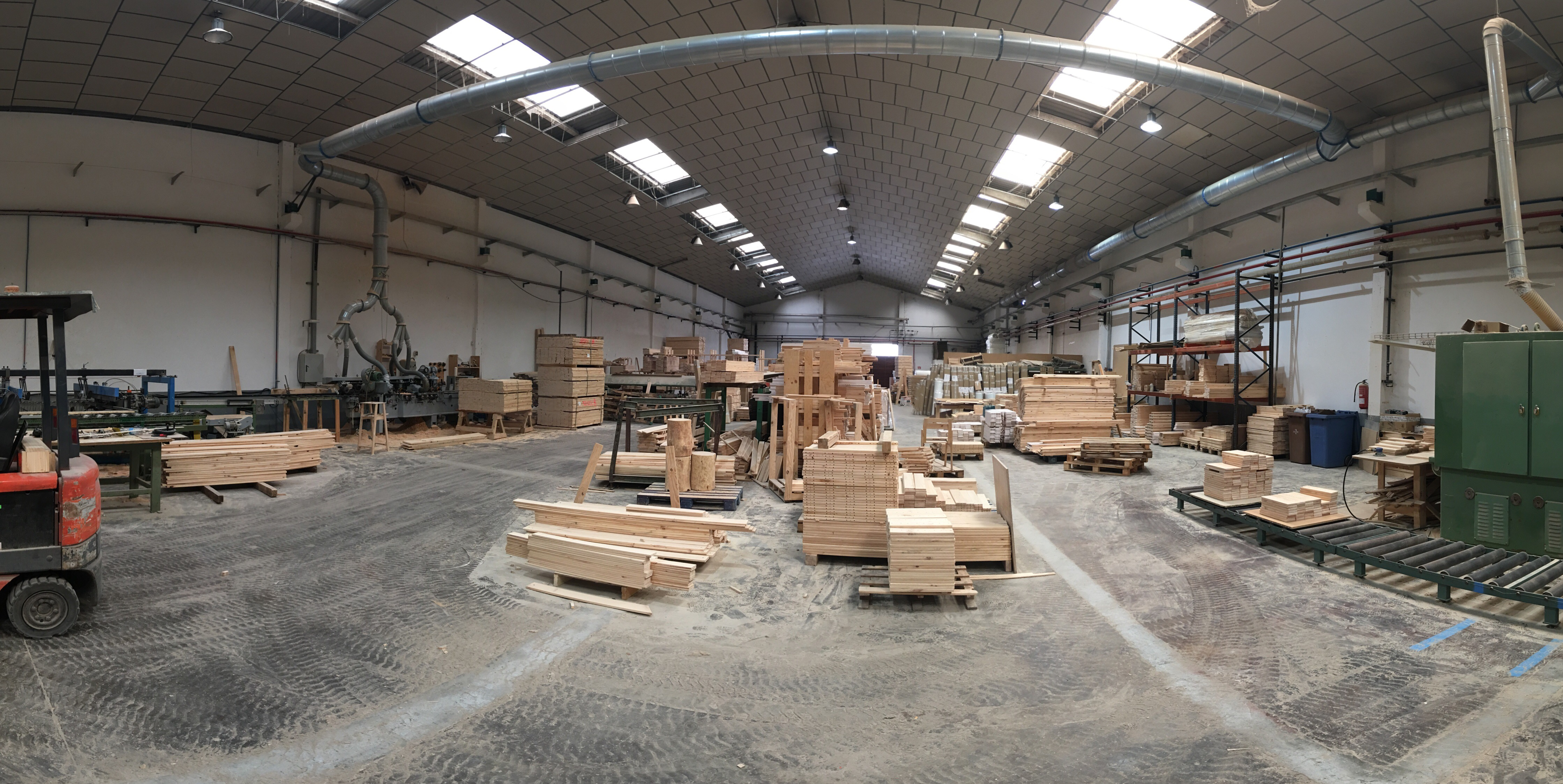 Fabrica de Muebles LUFE en Azpeitia, muebles low cost