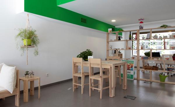 muebles de madera maciza lowcost para negocio o local