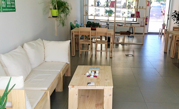 muebles de madera maciza baratos para local