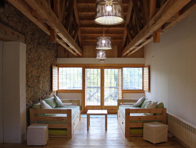 Sofás de madera baratos estilo nórdico
