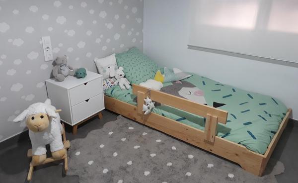 cama infantil montessori barata y apilable de madera