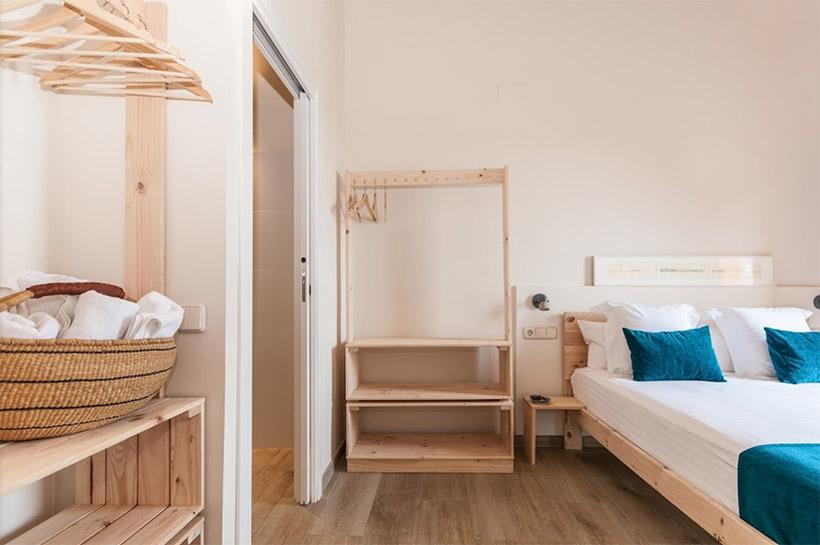 Muebles de madera baratos para apartamentos en Barcelona