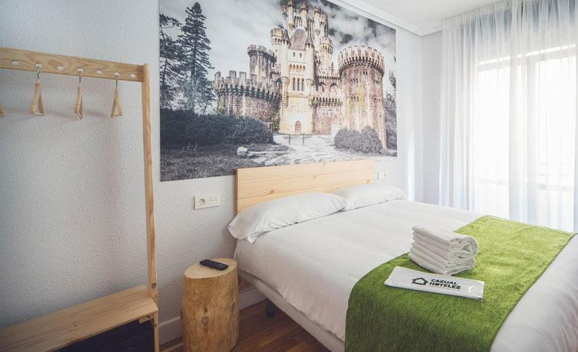Muebles baratos para hoteles y hostales en Bilbao fáciles de montar