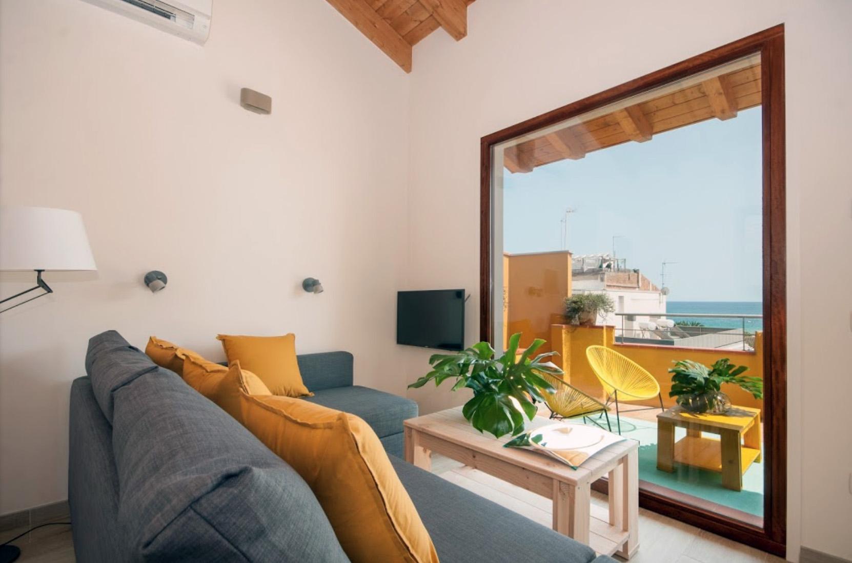 Muebles LUFE madera natural