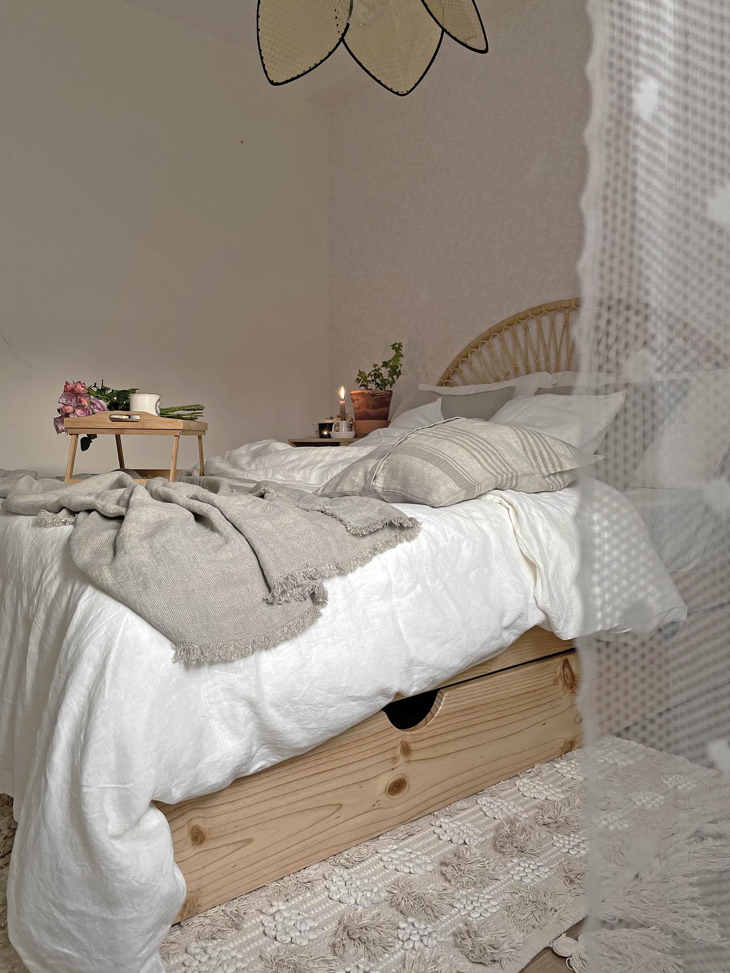 cama 135 de madera natural